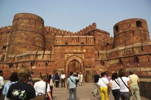 Fortifications mogholes du Fort-Rouge de Delhi (Inde), construit sur ordre de l'empereur Shâh Jahân entre 1636 et 1648.